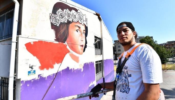 İzmir okullarının duvarları şenleniyor