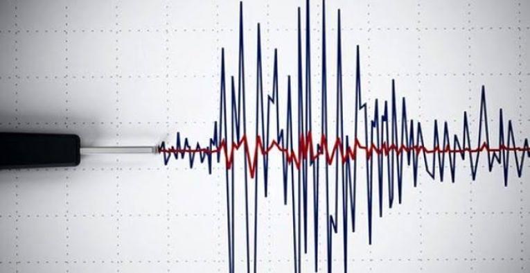 Deprem enkazında hayatınızı kurtaracak telefon kullanma rehberi!