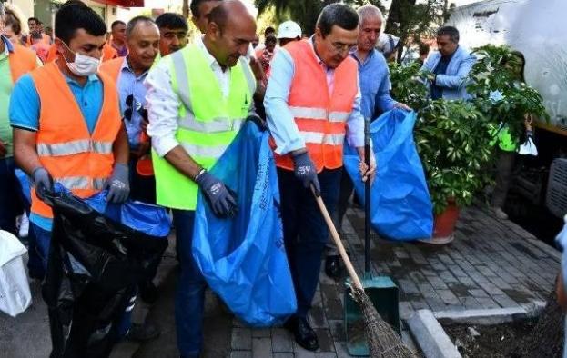 """""""Çiçek gibi bir İzmir"""" için çalışmalar devam ediyor"""
