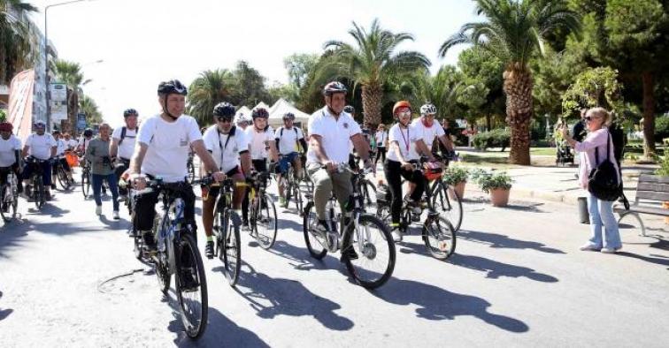 İzmir' in ilk 'Bisiklet Festivali' Karşıyaka' da !