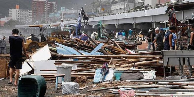Japonya'da tayfunun bilançosu: 74 ölü