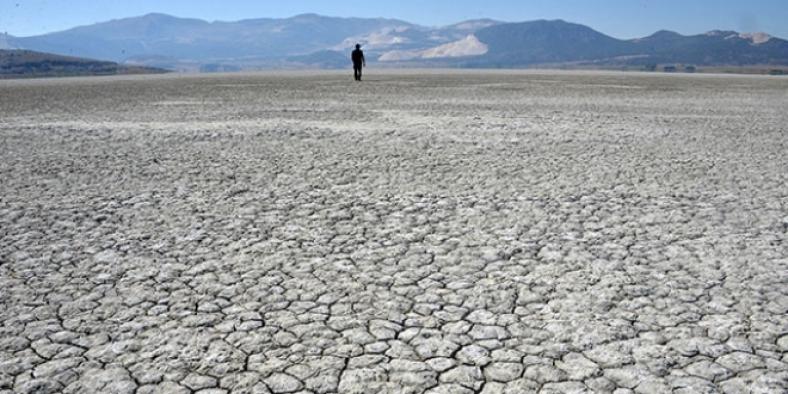 Göllerin yüzde 60'ı kurudu!