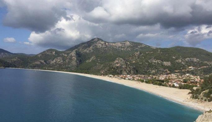 Çevreciler Belcekız Plajı'ndaki 'düzenleme' için ayaklandı