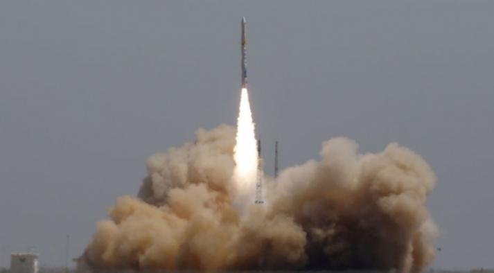 Çin elektromanyetik gözlem uydularını uzaya yolladı