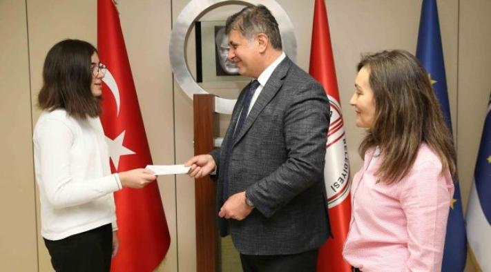 Karşıyakalı öğrencilerden uluslararası proje