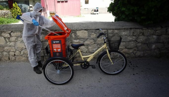 'Bisikletli Koronavirüs Timleri' atık topluyorlar!