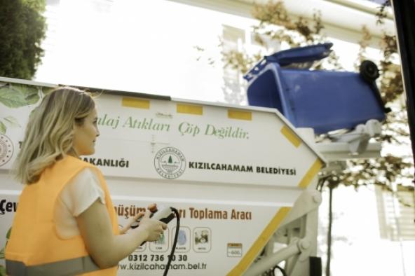 Bursa'da üretilen elektrikli katı atık toplama aracı Ankara'da yola çıktı