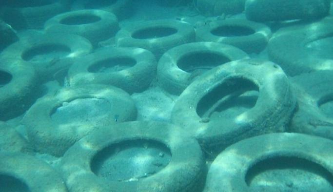 Okyanuslardaki kirliliğin en büyük kaynağı araç lastikleri