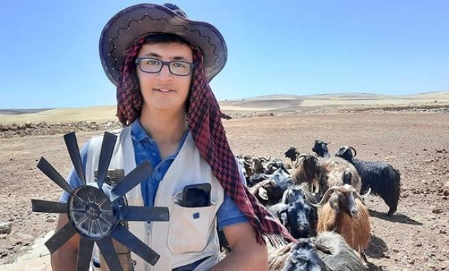Çobanlık yapan lise öğrencisi atık malzemelerden enerji üretti