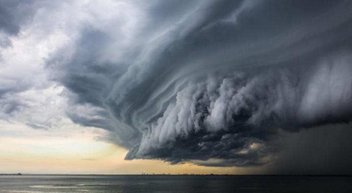 İki tropik fırtına ABD kıyılarına yaklaşıyor: Kasırgaya dönerlerse tarihte ilk olacak