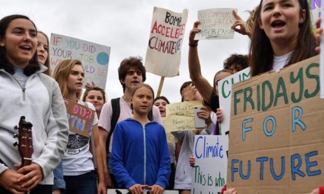 Dünyada 3100'den fazla yerde gerçekleştirilen eylemlere devam ediliyor