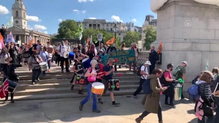 Londra'da iklim değişikliği gösterisi