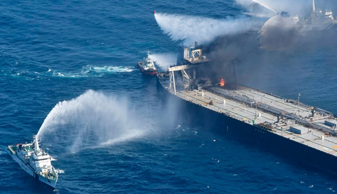 Petrol tankerinde çıkan yangının verdiği zarar incelenecek