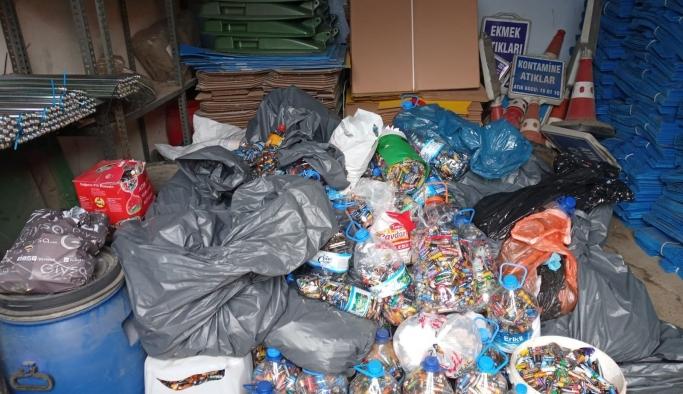 Sağlıklı bir çevre için atık piller toplanıyor