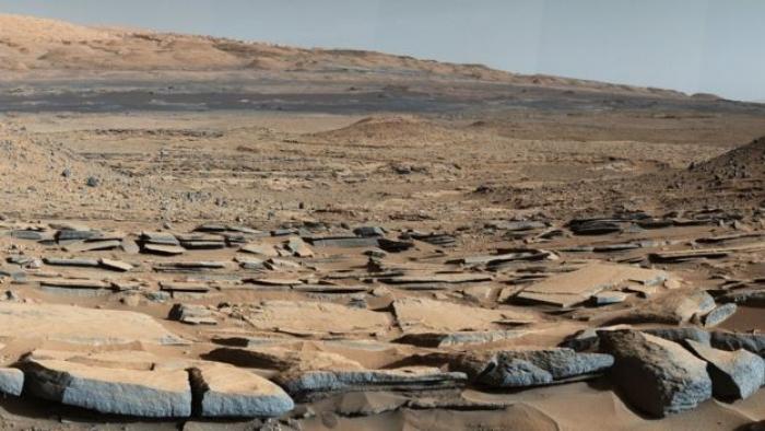 Mars'ta gömülü sıvı su gölleri bulundu