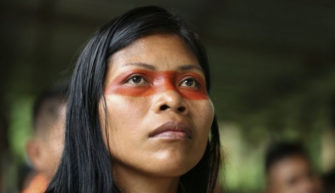 """Amazon ormanlarında yaşayan  """"çevre kahramanı"""" kimdir?"""