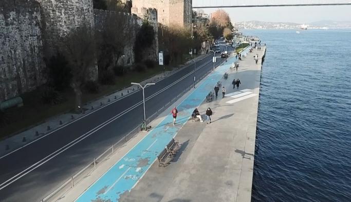 İstanbul'daki mavi boyalı bisiklet yolunda büyük tehlike!