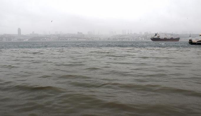 İstanbul'da denizin rengi değişti!