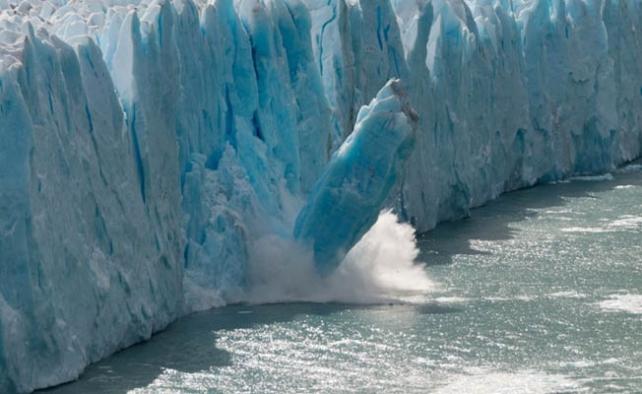 Kuzey Kutbu'nda buzullar hızla eriyor