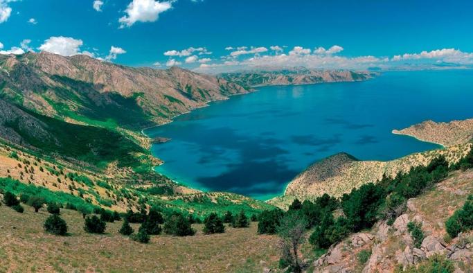 Van Gölü bölgenin iklimini dengeliyor