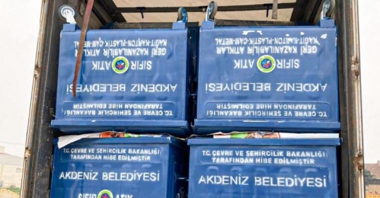 'Sıfır Atık Belgesi' aldı, bakanlık 459 adet yeni çöp konteyneri gönderdi