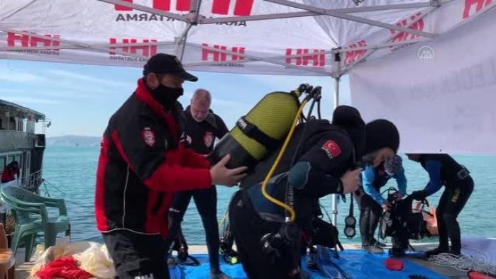 Gönüllü dalgıçlar temiz çevre için Boğaz'a dalış yaptı