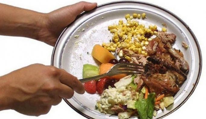 Türkiye'de her yıl 7,7 milyon ton yiyecek çöpe atılıyor!