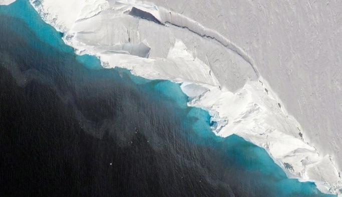 Türkiye'nin üçte biri büyüklüğünde! 'Kıyamet günü' buzulu eriyor