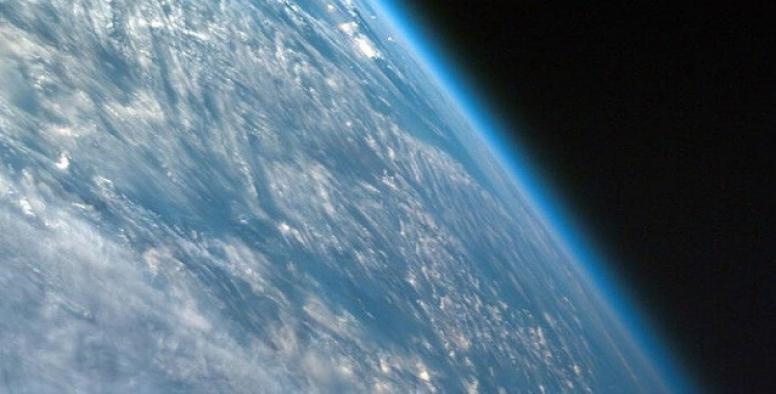 Dünya'nın atmosferi 1980'den günümüze kadar 400 metre küçüldü!