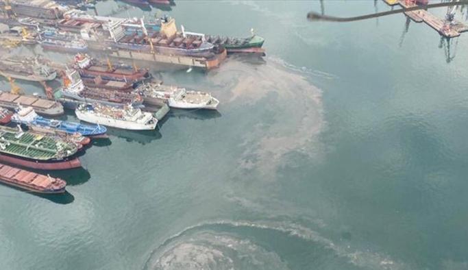 Mersin'de denizi kirleten gemilere 50 milyon lira ceza kesildi