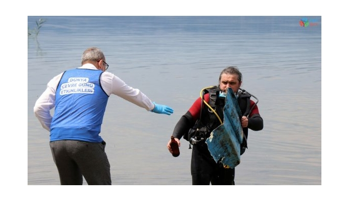 Sapanca Gölü'nde dalgıçlar eşliğinde temizlik