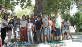 Bornovalı çocuklar yaz okulunda dönüşümü öğreniyor