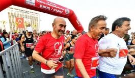 'Uluslararası İzmir Yarı Maratonu' keyif verdi