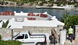 Son dakika... Ve Yılmaz Özdil'in villasındaki kaçak kısımların yıkımı başladı