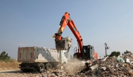 Gaziemir'de iki günde yaklaşık 400 ton moloz toplandı
