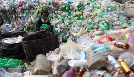 Yeni geliştirilen 'süper enzim' ile plastik şişelerin geri dönüşümü hızlanabilir
