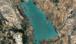 Eğirdir ve Beyşehir'de su seviyesi alarm verdi: Gölün dibi görünüyor