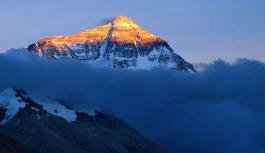 Everest'i sanatla temizleyecekler