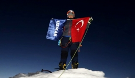 Grönland'ın en kuzeyine giden ilk Türk ekibi yurda döndü