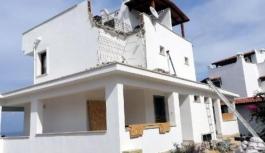 Bodrum'da kaçak yapılar bir bir yıkılıyor