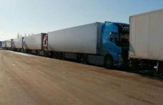 Türkiye plastik atık taşıyan kamyonların ülkeye...