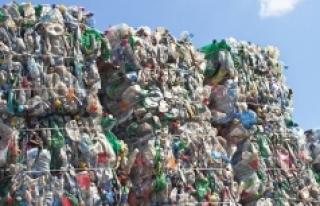 """""""Türkiye'nin ithal ettiği plastik çöp..."""