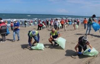 Denizlerden 2 milyon 850 bin ton çöp topladılar